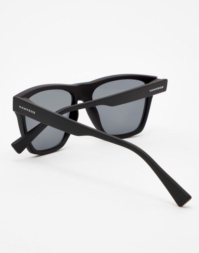 oculos-pretos-hawkers-2999